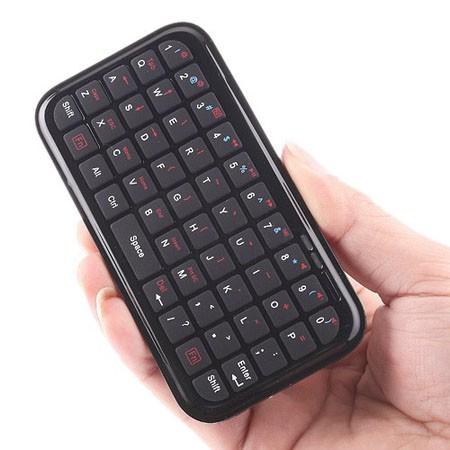 PC  、PS3、PDAに向けての超軽薄 ミニBluetoothキーボード